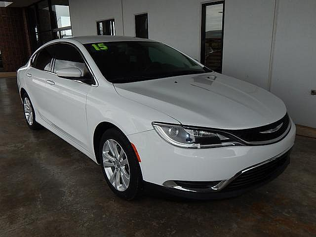 Certified Pre-Owned 2015 Chrysler 200 Limited | BOB HOWARD DODGE 405-936-8900 | ALLOYS | BLUE TOOTH