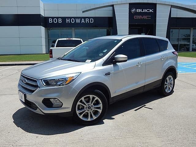 Pre-Owned 2017 Ford Escape SE | BOB HOWARD BUICK GMC 405.936.8800 | PWR SEAT | LOADED | CLEQN CARFAX