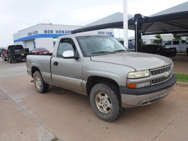 PRE-OWNED 1999 CHEVROLET SILVERADO 1500 LS FOUR WHEEL DRIVE PICKUP TRUCK