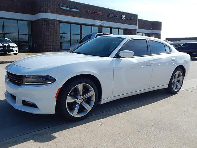 New 2018 DODGE Charger SXT Plus