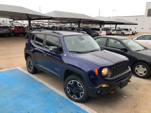 Pre-Owned 2016 Jeep Renegade Trailhawk | LEATHER | SUNROOF | CLEAN CARFAX