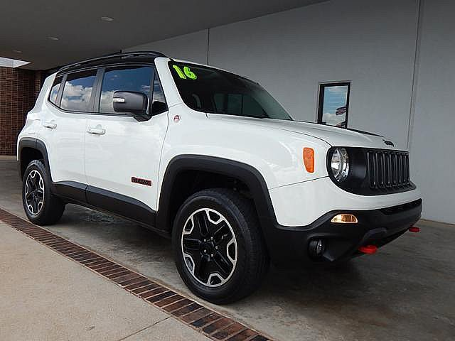 Pre-Owned 2016 Jeep Renegade Trailhawk | BOB HOWARD DODGE 405-936-8900