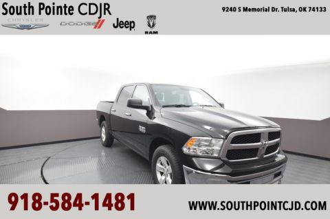 Pre-Owned 2018 Ram 1500 SLT | SOUTH POINTE DODGE
