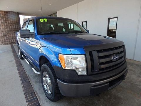 Pre-Owned 2004 Ford Super Duty F-250 XL Pickup Truck in