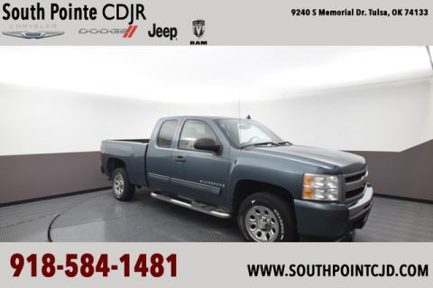 Pre-Owned 2009 Chevrolet Silverado 1500 LS | SOUTH POINTE DODGE |