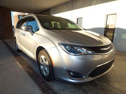 Certified Pre-Owned 2017 Chrysler Pacifica Touring-L Plus | LEATHER | REAR DVD