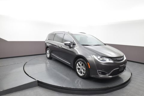 Pre-Owned 2017 Chrysler Pacifica Limited SP Honda 918-491-0100